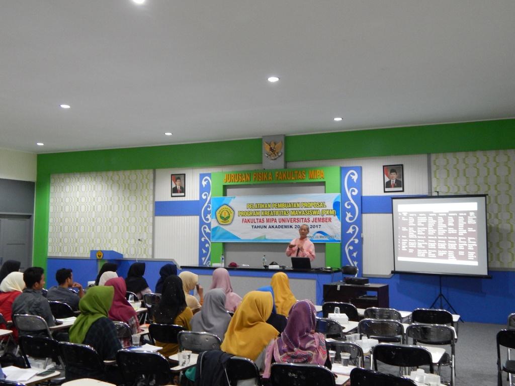 Pelatihan Pembuatan Proposal Program Kreatifitas Mahasiswa Pkm